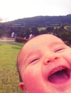 子供の最高の笑顔。の写真・画像素材[1600034]