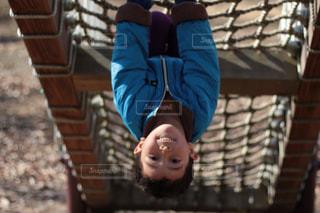 遊具で遊ぶ男の子の写真・画像素材[1749378]