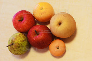 カラフル,オレンジ,フルーツ,梨,りんご,みかん,洋梨,フレッシュ,ナシ,いろいろ,フレッシュフルーツ