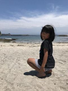 海,空,夏,屋外,子供,女の子,人物,人,Tシャツ,半袖
