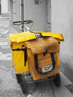 屋外,海外,黄色,観光,道,旅行,イエロー,黄,郵便,yellow,郵便配達