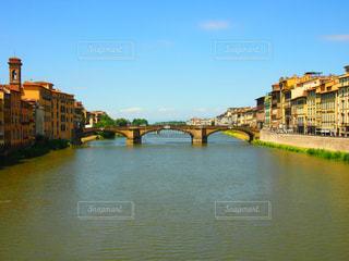 建物,橋,海外,カラフル,青空,川,観光地,旅行,旅,イタリア,Snapmart,素敵,素材,フィレンツェ,写真素材,フォトコンテスト