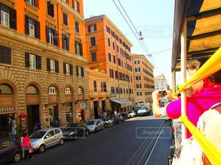 建物,街並み,海外,青空,車,道路,観光地,ローマ,旅行,旅,バス,二階建てバス,街灯,イタリア,Snapmart,観光バス,写真素材,フォトコンテスト