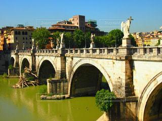 建物,橋,街並み,屋外,海外,川,観光地,ローマ,旅行,旅,イタリア,Snapmart,散策,写真素材,フォトコンテスト