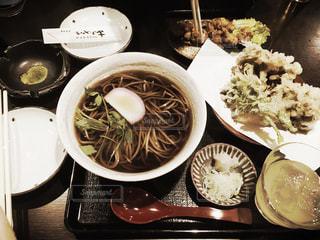 蕎麦と天ぷらの写真・画像素材[2859947]