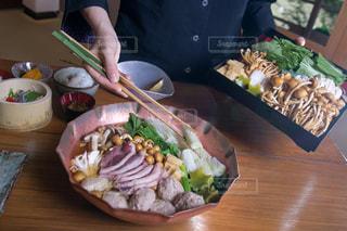 食べ物,フード,昼食,鍋,レストラン,料亭,お昼ごはん,つくね,民宿,きのこ,猪肉