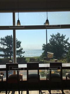 海の見えるカフェの写真・画像素材[2373151]