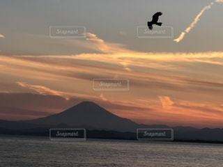 自然,風景,太陽,夕暮れ,水面,山