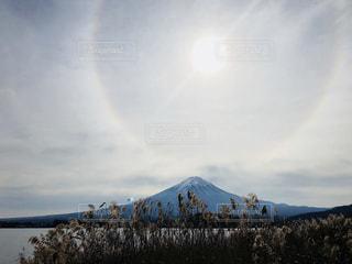 山の上に立っている人のグループの写真・画像素材[1640107]