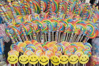 カラフルなキャンディの写真・画像素材[2368151]