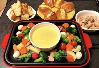 食事,ランチ,パン,野菜,チーズフォンデュ