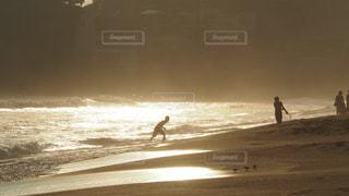海,夕日,海岸,光,未来,青春,少年,夢,ポジティブ,可能性