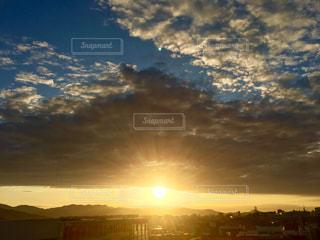 空,夕日,白,雲,青,夕暮れ,水色,オレンジ,未来,夢,ポジティブ,目標,可能性