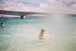 海,太陽,水,海岸,人物,人,キラキラ,未来,夢,ポジティブ,希望,目標,可能性