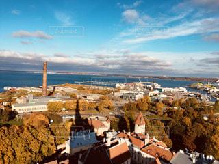 海,空,秋,紅葉,観光,女子旅,海外旅行,10月,卒業旅行,エストニア,バルト三国,タリン,コホトゥオツァ展望台,上から見た街並み
