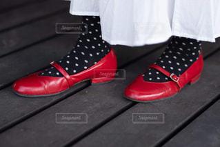 赤白と青の靴の写真・画像素材[1834503]
