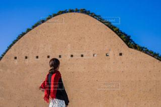 女性,建物,屋外,後ろ姿,博物館