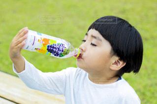 少年のクローズアップの写真・画像素材[2218059]