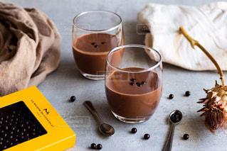 テーブルの上でコーヒーを一杯の写真・画像素材[2895829]
