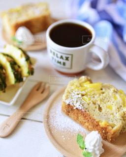 パイナップルバナナパウンドケーキの写真・画像素材[1831017]