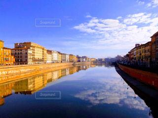 風景,橋,街並み,水面,ヨーロッパ,景色,反射,観光,イタリア,海外旅行,ピサ,フォトジェニック,アルノ川