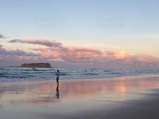 男性,海,空,夕焼け,景色,反射,釣り