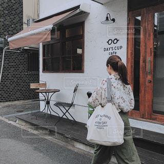 友だち,カフェ,後ろ姿,人物,背中,人,福岡,カフェ巡り