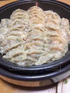 餃子,椎茸,ニラ,ひき肉,白菜,ホットプレートで
