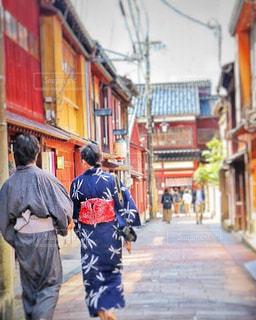通りを歩く人々 のグループの写真・画像素材[1624871]