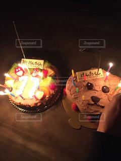キャンドルとバースデー ケーキの写真・画像素材[1667856]
