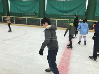 スケート初心者、楽しく滑りますの写真・画像素材[1816965]