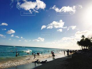 海,空,ビーチ,雲,砂浜,観光地,旅行,ハワイ,海外旅行,観光スポット,ワイキキビーチ,日中