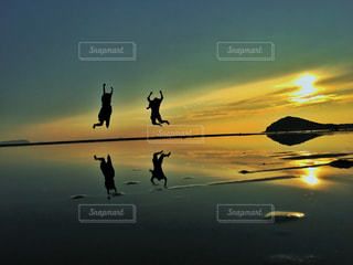 自然,風景,海,自撮り,屋外,夕方,景色,シルエット,セルフィー,セルフショット,父母ヶ浜