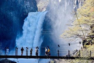 後ろ姿,滝,人,後姿,新潟,後ろ,新潟県,苗名滝