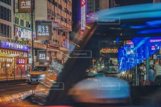 夏,夜景,海外,車,道路,ネオン,アジア,光,イルミネーション,旅行,高層ビル,香港,夏休み,レジャー,街中,海外旅行,連休,散策,旺角