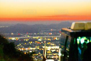 風景,空,夜景,屋外,カラフル,きれい,夕焼け,景色,オレンジ,キラキラ,水玉,ケーブル,ドット,beautiful,ロープウェイ