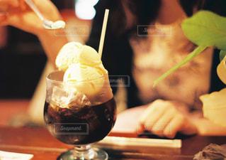 飲み物,カフェ,コーヒー,屋内,東京,テーブル,人,木目,フロート,コーヒーフロート