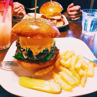 食べ物,カフェ,ランチ,ハンバーガー,チーズ,ご飯,cafe,喫茶店,アメリカン,ポテトフライ,メルト