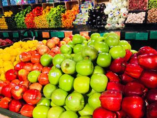 食べ物,緑,赤,カラフル,黄色,アメリカ,オレンジ,フルーツ,果物,野菜,アップル,レモン,果実,マーケット,食材,黄緑,リンゴ,フィラデルフィア,Reading Terminal Market