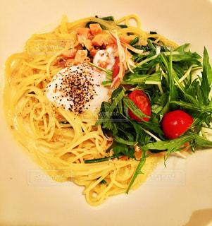 食べ物,食事,白,野菜,皿,パスタ,卵,料理,麺,スパゲッティ,カルボナーラ