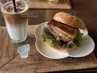 食べ物,食事,テーブル,皿,サンドイッチ,ドリンク