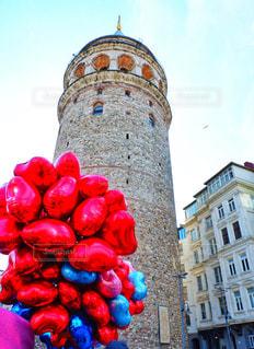 空,アート,風船,ハート,塔,石畳,旅行,トルコ,イスタンブール,海外旅行,一眼レフ,下から,石造り,ガラタ塔,装飾的