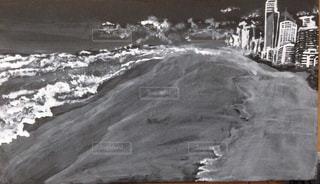 海,ビル,イラスト,ビーチ,モノクロ,アート,海岸,白黒,旅行,モダン,オーストラリア,海外旅行,手書き,ビル群,イメージ,ゴールドコースト,クラウド,手描きイラスト