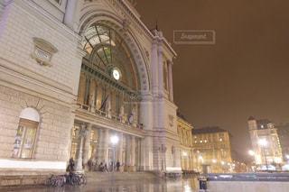 夜,夜景,自転車,雨,屋外,駅,水たまり,ヨーロッパ,景色,ライト,旅行,旅,雨上がり,梅雨,ロマンティック,天気,ハンガリー,ブダペスト,雨の日,駅舎,街頭,ヨーロッパの駅