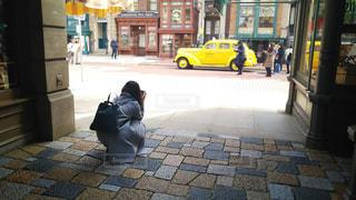 後ろ姿,車,人物,背中,人,外国,写真