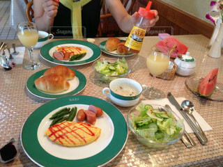 朝食,サラダ,オムレツ,コテージ朝食