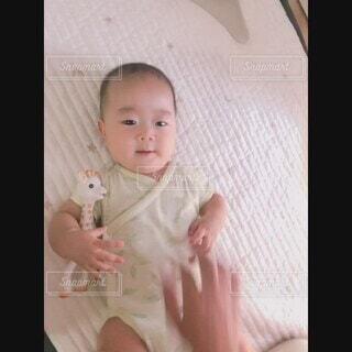 屋内,かわいい,部屋,人物,人,癒し,赤ちゃん,ベビー,5ヶ月ベビー