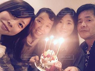 家族でHappy Birthdayの写真・画像素材[1651292]