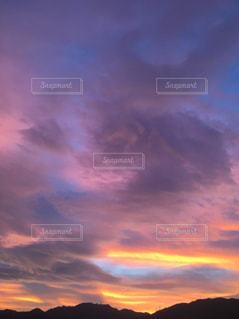 夏、神戸の夕景(2018年7月28日 19:15撮影)の写真・画像素材[1719220]