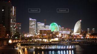 夜の街の景色の写真・画像素材[1680166]